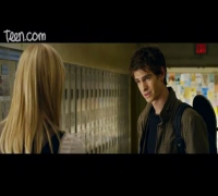 The Amazing Spider-Man Exclusive Clip: Emma Stone and Andrew Garfield, Hallway Scene