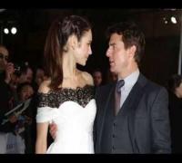 Tom Cruise & Olga Kurylenko OBLIVION