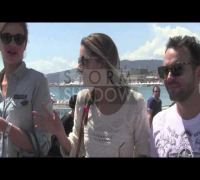 Top Model Alessandra Ambrosio walking on the beach, Cannes