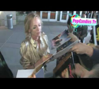 Uma Thurman of Kill Bill Loves Her Fans @ Ceremony Premiere in Hollywood!