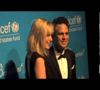 Uma Thurman Outshines Sarah Jessica Parker   Annual Unicef Snowflake Ball Arrivals 1st December 2011 14 28