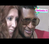 Usher Raymond greets fans in Hollywood!