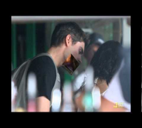 Vanessa Hudgens and Zac Efron Kissing