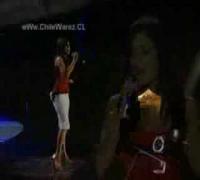 Vanessa Hudgens cantando en español