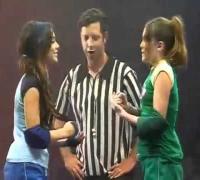 Vanessa Hudgens VS Miley Cyrus DC GAMES