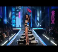 Victoria's Secret Fashion Show 2007 part 1