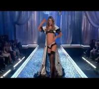 Victoria's Secret Fashion Show 2007 part 2