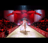 Victorias Secret Fashion Show 2010 - Angel or Devil!